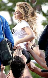 Kylie Minogue Se Desnuda En Twitter Alchileaguascalientes